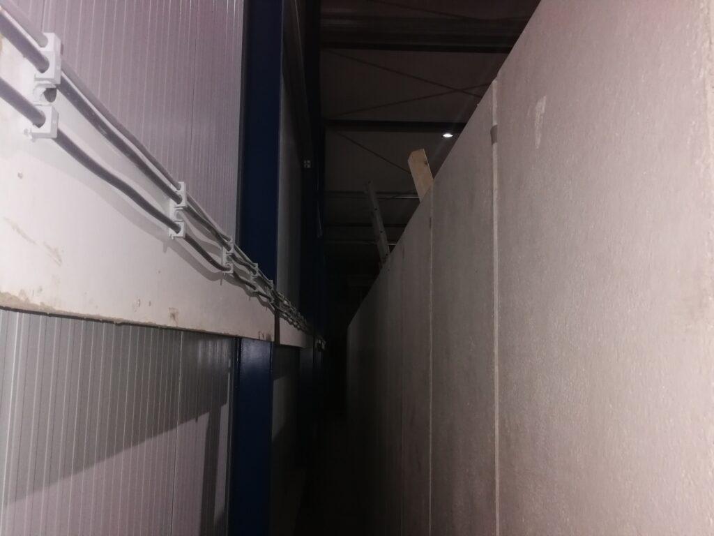 MBS Beton keerwanden in loods